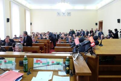 На Буковині партія Порошенка - лідер за кількістю начальників та бізнесменів у списках до облради