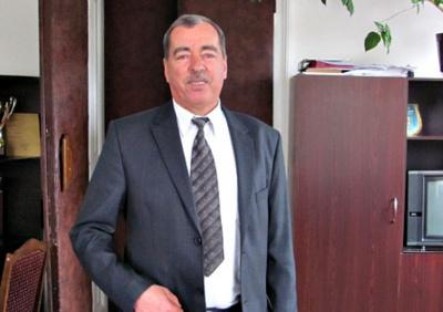 Екс-мер Сторожинця, який подав у відставку через пенсійний вік, знову балотується на цю посаду