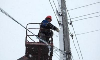 На Буковині через негоду 123 села залишилися без світла