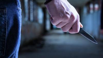 У Чернівцях юнак жорстоко порізав таксиста ножем: медики ледве врятували чоловіка