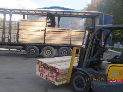 На Чернівецькій митниці конфіскували пиломатеріали, які мали експортувати до Молдови