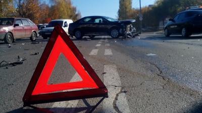 На вулиці Воробкевича в Чернівцях зіткнулись дві іномарки (ФОТО)