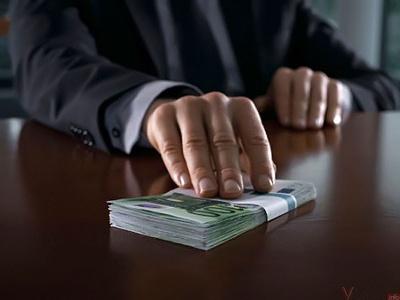 На Буковині податківець сяде на 8,5 років за хабар