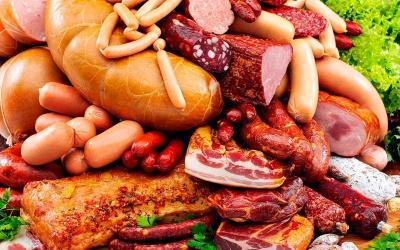 Чим небезпечні сосиски та ковбаси