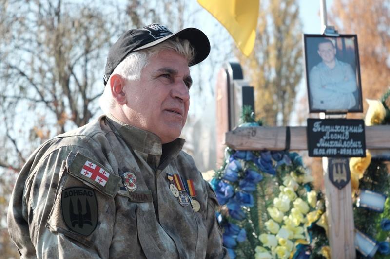 Атовець-грузин просить у депутатів франківської облради допомоги в отриманні українського громадянства