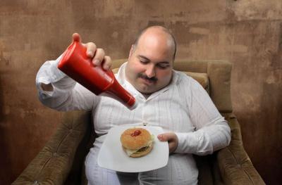 Час прийому їжі впливає на метаболізм