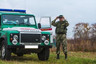 На кордоні на Буковині затримали 10 нелегалів-афганців