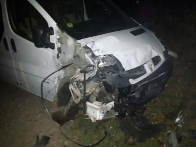 У селі біля Чернівців - жахлива аварія. Загинув юнак (ФОТО)