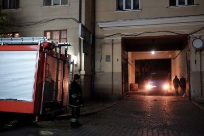 У центрі Чернівців вибухнув легковик (ФОТО)