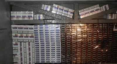 Контрабандисти Чернівецької області встановили рекорд з приховуванням цигарок та спирту