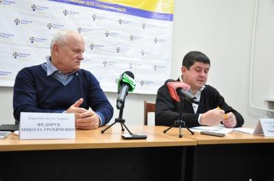 Бурбаку прикро, що партії коаліції не підтримали нікого у другому турі виборів мера Чернівців