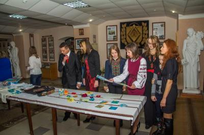Студенти БДМУ презентували виставку творчих робіт
