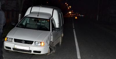 На Буковині пікап врізався у джипа - водій пікапа втік