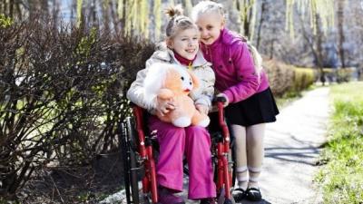 У селі на Буковині за кошти ЄС збудують дитячий майданчик для інвалідів