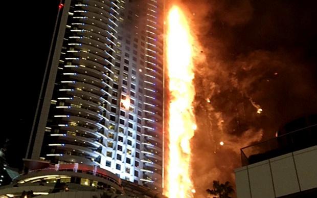 Пожежа ухмарочосі Дубая: при евакуації загинула людина