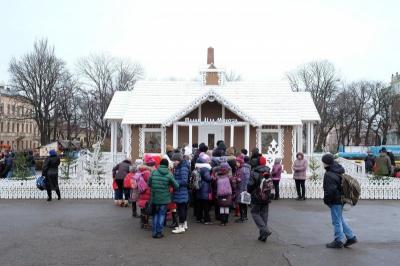 Мерія знову домовляється з фондом Фірташа про будинок Діда Мороза