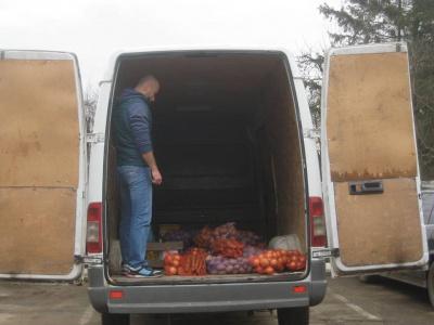 На Буковині селяни зібрали й передали харчі нацгвардійцям (ФОТО)