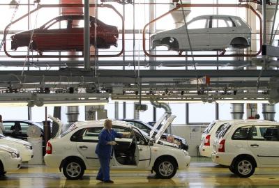 У Росії автовиробники зупиняють конвейєри