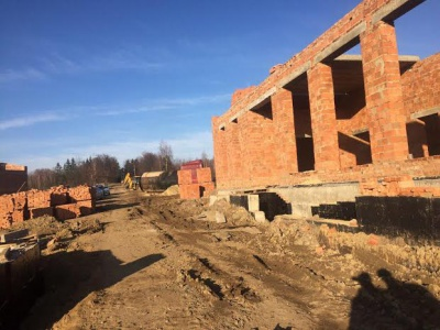 Понад 100 робітників будують на Буковині міжнародний пункт пропуску на кордоні