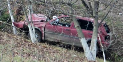 На Буковині автомобіль перекинувся кілька разів і з'їхав у кювет (ФОТО)