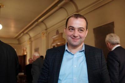 """Лидер """"Оппоблока"""" на Буковине имеет двойное гражданство, - нардеп"""