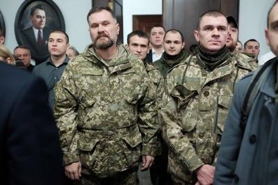 """""""Задумайтесь, що призвело нашу країну до війни"""", - учасник АТО депутатам Чернівецької міськради (ФОТО)"""
