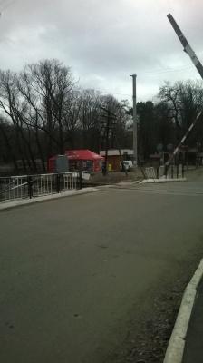 На Буковині бус намагався проскочити перед потягом — не встиг (ФОТО)