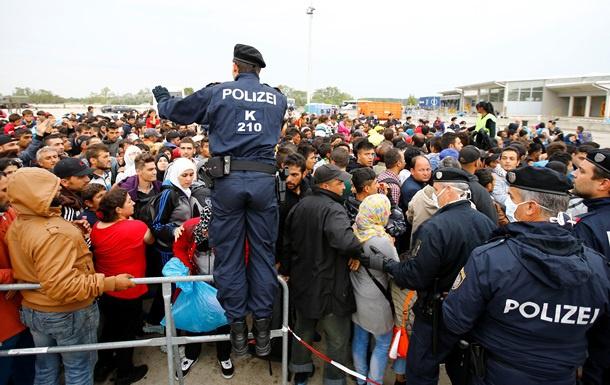 Австрія призупинила дію Шенгенської угоди через мігрантів