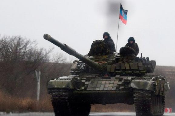 Розвідка: НаДонеччину зРосії прибули ешелони з військовою технікою табоєприпасами