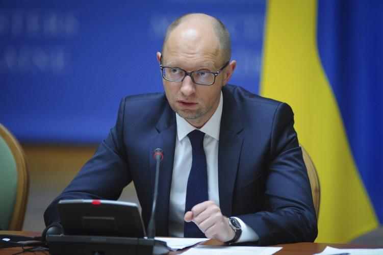 Яценюк назвав кількість контрактників уЗСУ