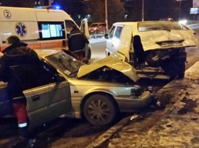 В Черновцах легковушка врезалась в машину скорой помощи (ФОТО)