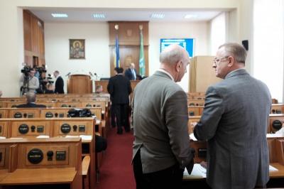 Бурбак пропонує удвічі зменшити штат апарату Чернівецької облради