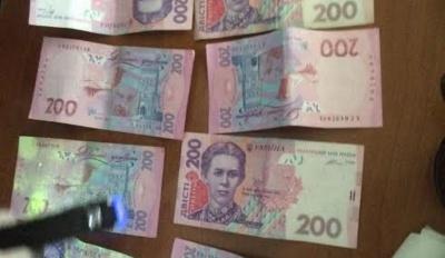 Посадовці вишу в Чернівцях вимагали від студента гроші за сесію