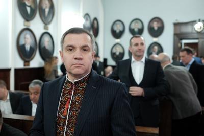 """Стала відома причина """"тиску"""" на Пуршагу: чиновник на Буковині завищував вартість реконструкції каналізацій"""