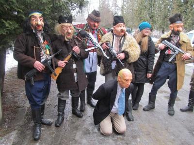 Учасники АТО на Буковині перевтілились у бандерівців, щоби «вбити Путіна» (ФОТО)