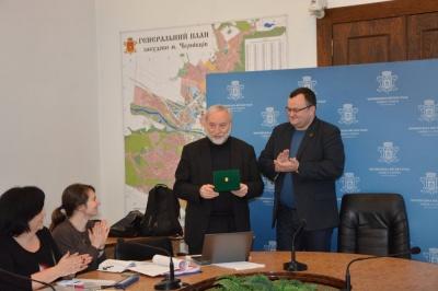 """Йосипа Зісельса нагородили медаллю """"На славу Чернівців"""""""