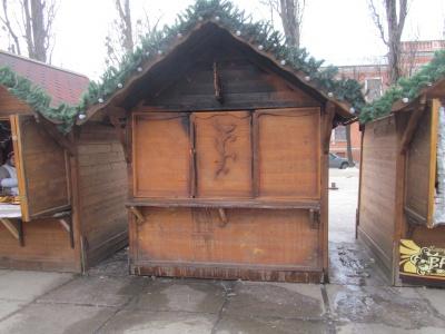 У Різдвяному містечку загинула продавець, яка залишилася ночувати