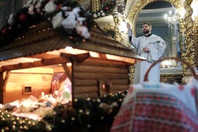 У храмах Чернівців — святкове Богослужіння і освячення води (ФОТО)
