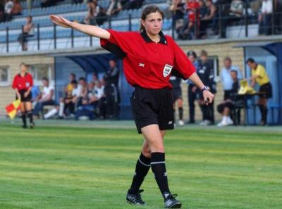 Українку визнали найкращою жінкою — футбольним арбітром 2015 року