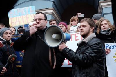 Каспрук звернувся до міністра освіти з проханням терміново розібратись у ситуації довкола об'єднання вузів у Чернівцях