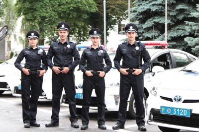 На Буковині райвідділи міліції об'єднали в поліцейські «кущі»