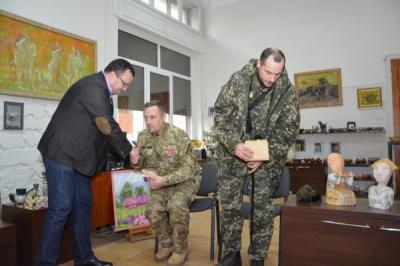 Від проданих робіт слов'янських керамістів для бійців АТО зібрати 19 тисяч гривень (ФОТО)