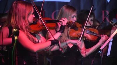 """Рок-оркестр """"Brevis"""" презентує чернівчанам  нову програму світових хітів"""