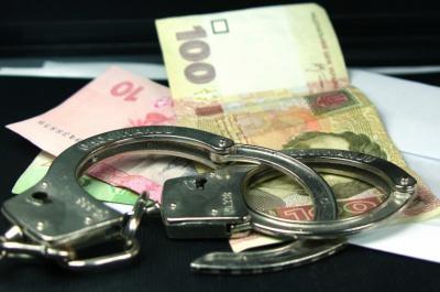 Працівник Чернівецького СІЗО взяв хабар від засудженого