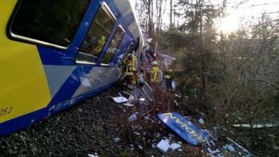 Аварія на залізниці у Баварії забрала життя 8 людей, ще 150 постраждали