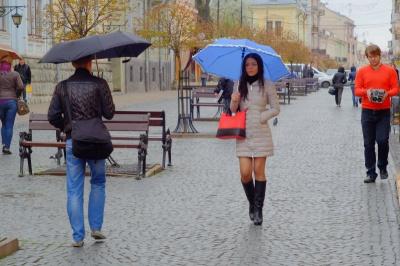 Сьогодні у Чернівцях хмарно і очікується дощ