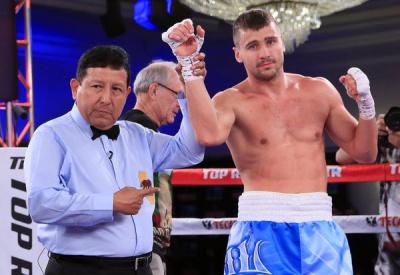 Олександр Гвоздик виграв дев'ятий бій поспіль на професійному ринзі