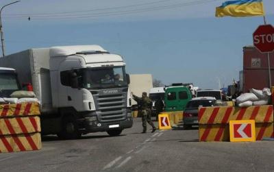 Україна та Росія домовилися відновити рух заблокованих вантажівок на 10 днів