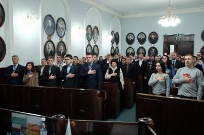 У Чернівцях мер і депутати досі не домовились про кандидатуру секретаря міськради