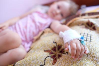 На Буковині хворих на рак дітей нічим лікувати